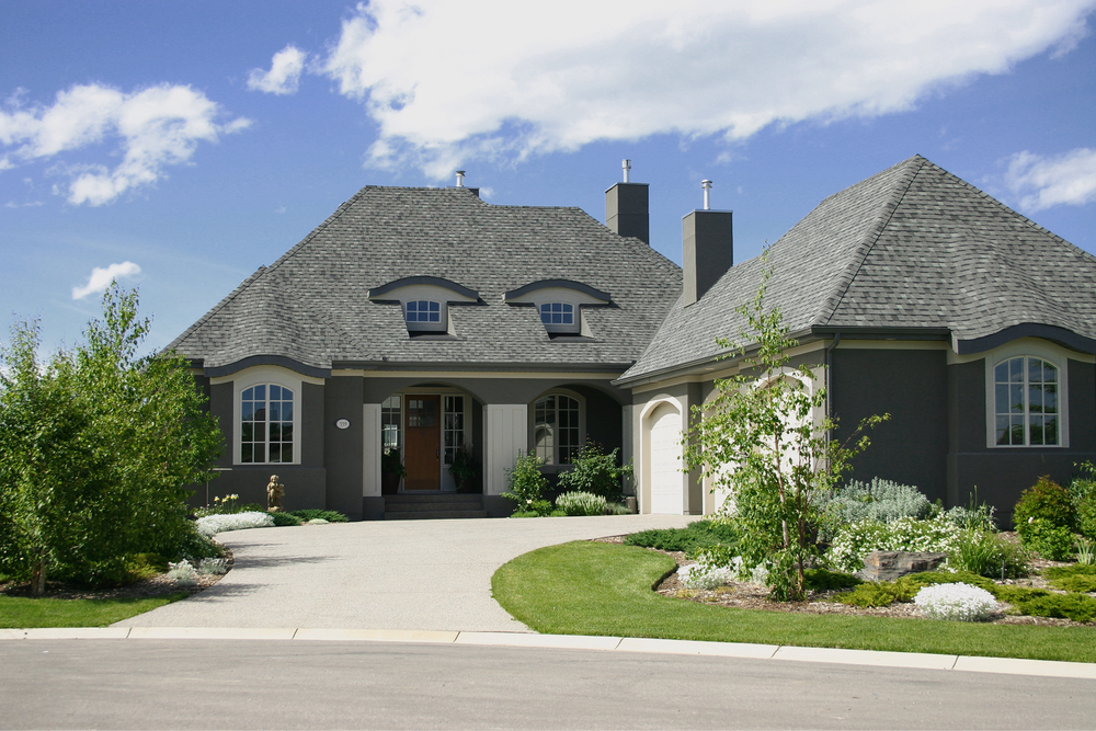 Advantages and Disadvantages of Financing Your Single-family Rental Investment
